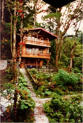 Cabin at Los Quetzales